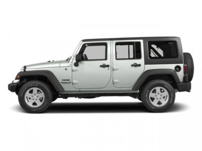 2014 Jeep Wrangler Unlimited Sahara (Bright White Clearcoat)
