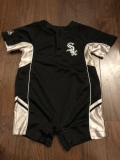 White Sox outfit