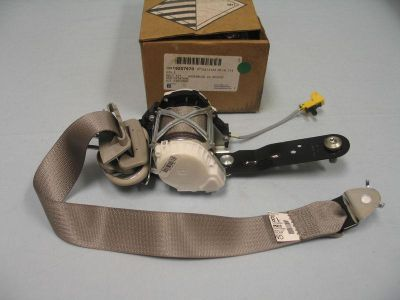 Purchase 08 09 Front Seat Belt, Kit NEW GM 19207570 Titanium GM Truck motorcycle in Atlanta, Georgia, US, for US $85.00
