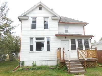 3 Bed 2 Bath Foreclosure Property in Davenport, IA 52802 - S Elsie Ave