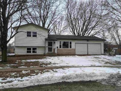 2 Bed 1 Bath Foreclosure Property in Belvidere, IL 61008 - 13th Ave