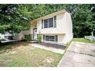 4 Bed 2 Bath Foreclosure Property in Hanover, MD 21076 - Pinyon Rd