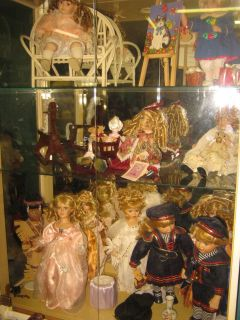 COLLECTIBLE DOLL SALE