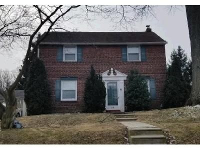 3 Bed 1 Bath Foreclosure Property in Clifton Heights, PA 19018 - Hazelwood Ave