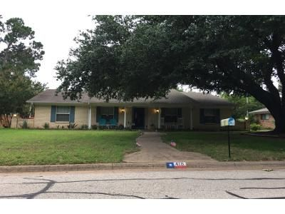 2 Bath Preforeclosure Property in Lewisville, TX 75057 - Marcus Dr