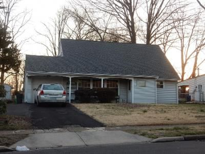 3 Bed 2.5 Bath Preforeclosure Property in Levittown, PA 19056 - Heartwood Rd