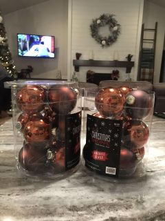 Set of 2 Brown colored bulbs. Only used for one year