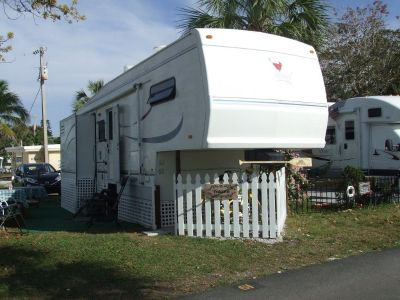 35' Cardnial Fifth Wheel Trailer for Sale