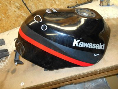 Find kawasaki zx1000 1000 zx-10 ninja fuel gas tank black 1988 1989 88 89 1990 motorcycle in Arthur, Illinois, US, for US $275.00