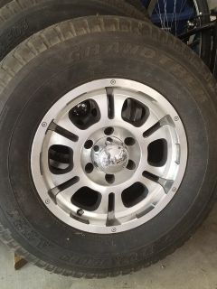 6 lug Toyota/Chevy Tires (4)