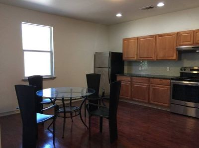 $2990 4 townhouse in Central Austin
