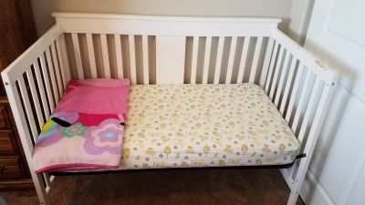 3 in 1 bed. Crib to toddler to full size frame.