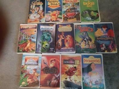 13 VHS Movies - Disney plus others - Lion King