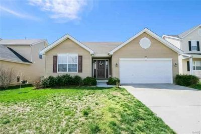 404 Wynchat Drive O'Fallon Three BR, RANCH home with new LVP wood
