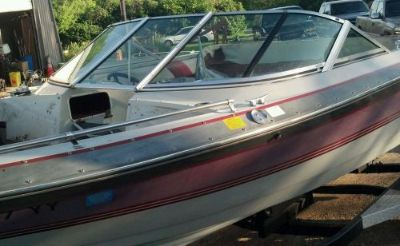 Buy CURVED GLASS WINDSHIELD COMPLETE OFF 89 CRESTLINER FIBERGLASS BOAT WINDOW motorcycle in Faribault, Minnesota, United States, for US $399.00