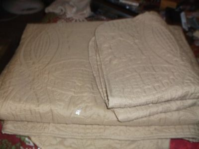 gold twin quilt with sham