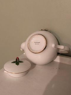 Teleflora rose tea pot