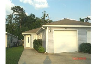 TWO BEDROOM TOWN-HOME IN BILOXI