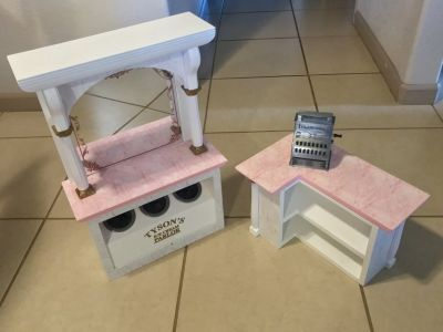 American Girl 18 Doll Ice Cream Parlor w/Cash Register Nice