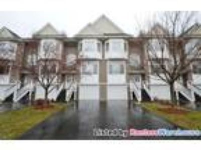 Stunning 3bd/1.5 BA Townhome Plymouth!
