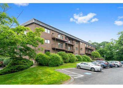5 Ledgewood Way #22 Peabody Two BR, It's the Penthouse!