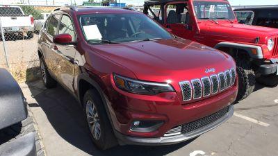 2019 Jeep Cherokee LATITUDE PLUS (VELVET RED PEARLCOAT)