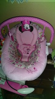 Minnie mouse vibrating bouncer seat