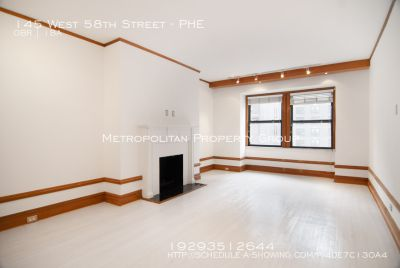 No Fee~Spacious and quiet studio suite in luxury doorman building, English oak trim throughout. High ceilings, fireplace. Lots of storage space!