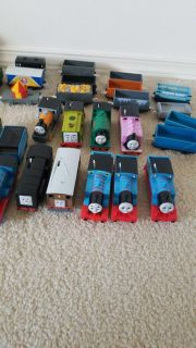 Thomas Tank Engine trains and cargo cars trackmaster series