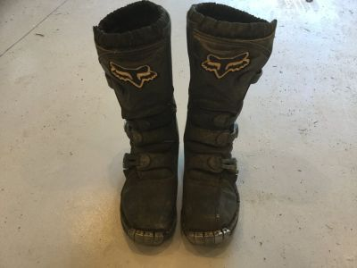 Fox Tracker Youth Size 4 Motocross Boots