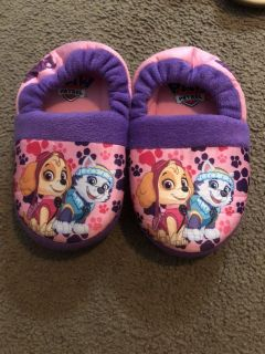 Paw patrol house slippers size 9/10
