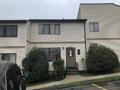 1 Bed 1.5 Bath Preforeclosure Property in Pomona, NY 10970 - Country Club Ln # 484