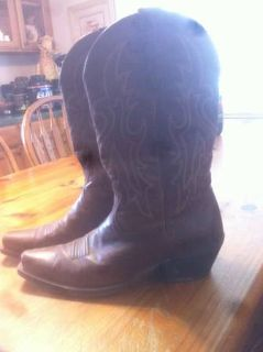11.5 Ariat Boots