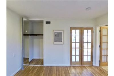 MID CITY/ 1-bedroom/ 1-BATH with Hardwood Floors, Semi-Open Plan, Fridge/Stove/Dishwasher, Washer/D