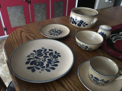 6 place settings (6) Folk Art Pfaltzgraff collectible dishes