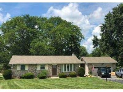 3 Bed 2 Bath Foreclosure Property in Pottstown, PA 19464 - Lynn Dr