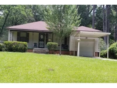 3 Bed 2 Bath Preforeclosure Property in Jackson, MS 39206 - N State St