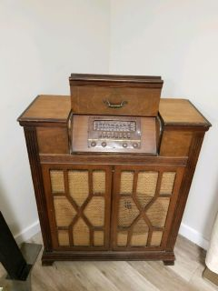 Antique Vintage Radio