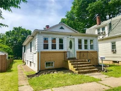 2 Bed 1 Bath Foreclosure Property in Woodbridge, NJ 07095 - Mawbey St