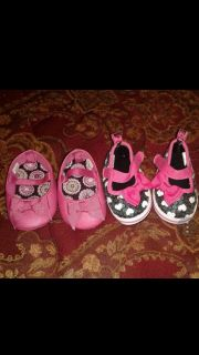 Both are size 1 shoes infant