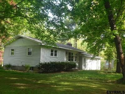 2 Bed 1 Bath Foreclosure Property in Niverville, NY 12130 - Hawley Rd