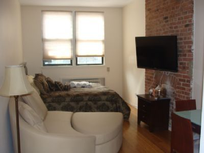 Studio Bedroom In Midtown-West