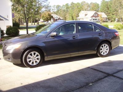 2009 Toyota Camry XLE ( only 48K miles) top of line model w/options!