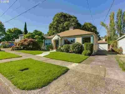 1919 NE 75th Ave Portland, Wonderful Three BR Charming