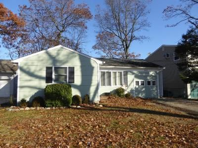 3 Bed 2 Bath Preforeclosure Property in Point Pleasant Beach, NJ 08742 - Willow St
