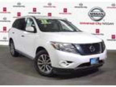 Used 2013 Nissan Pathfinder Moonlight White, 45.9K miles