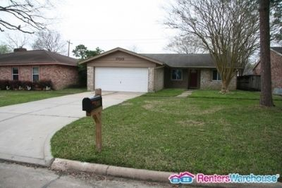3 bedroom in Friendswood