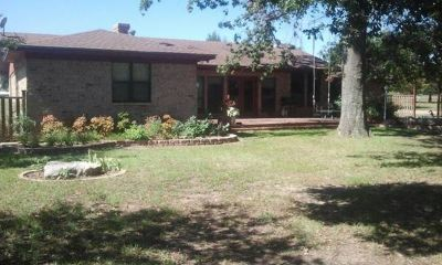 - $400 Room In The Country (Wills Point)