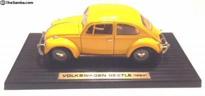 1967 Volkswagen Beetle, Yellow - 1/18th Scale Toy