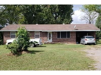 1.5 Bath Preforeclosure Property in Lamar, AR 72846 - N Johnsonville St